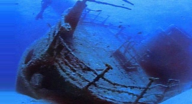 """Oltre """"Terra dei Fuochi"""" – Lo scandalo nascosto in fondo al mare: """"Hanno fatto affondare 90 navi piene di rifiuti tossici"""" – Il Mediterraneo come un'enorme discarica velenosa!"""