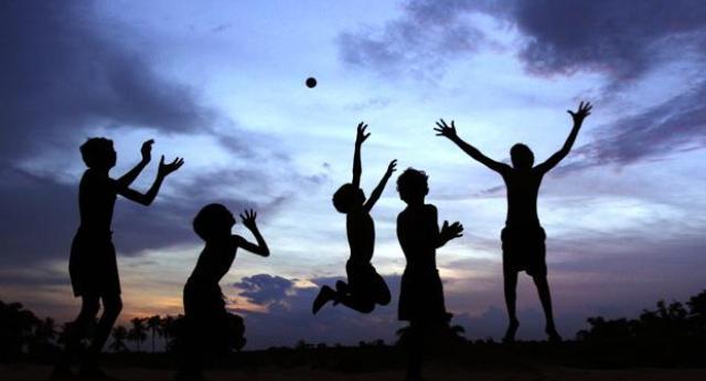 Aria aperta zapping for Grandi bambini giocano a casa