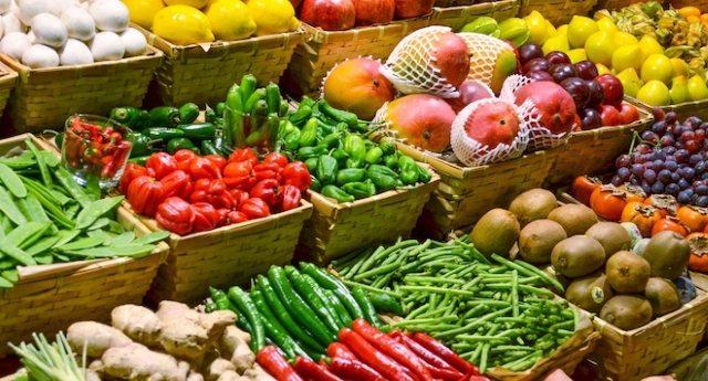 L'allarme del M5s – Almeno un terzo della frutta mangiata in Europa contiene residui di ben 27 interferenti endocrini…!