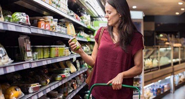 Etichette alimentari: 10 diciture ingannevoli a cui devi fare molta, ma proprio molta attenzione!