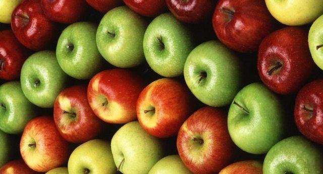 Attenzione: ci vendono le mele dell'anno scorso facendole passare per fresche, e ce le fanno pagare anche di più!
