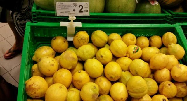 Attenzione – limoni cancerogeni e pericolosissimi per la salute. Ecco quali non dobbiamo assolutamente comprare!