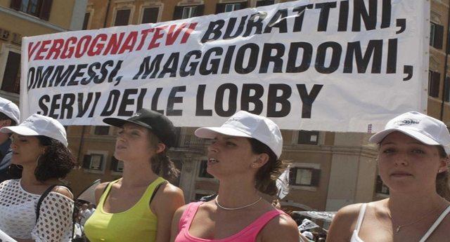 """Giusto per non farvelo dimenticare – Umberto Veronesi sulle sigarette elettroniche: """"Le lobby del fumo comprano i giornalisti""""…!"""