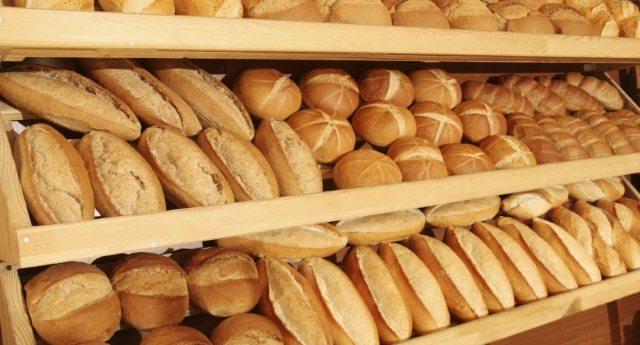 Finalmente in arrivo in Italia la legge contro il finto pane fresco. Insomma, sapremo cosa ci fanno mangiare… forse.