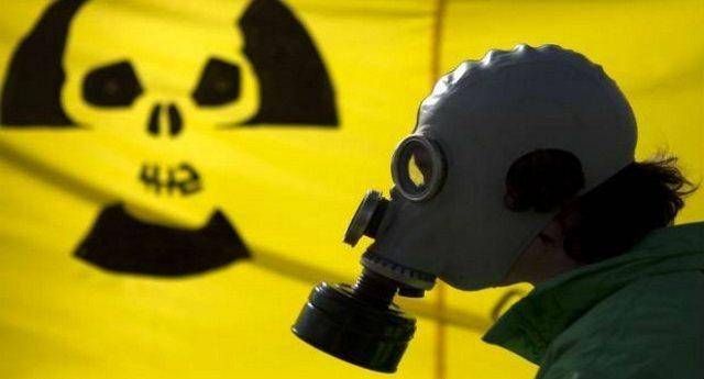 Sulle nostre teste, nell'atmosfera, nell'aria ci sono ancora le scorie nucleari della guerra fredda!