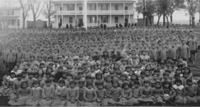 I crimini del Vaticano – Il genocidio Cattolico dei Nativi Americani in Canada