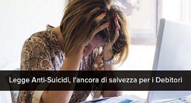 """Sei pieno di debiti? Forse non lo sai (o non te lo fanno sapere) ma puoi dichiarare il """"fallimento familiare"""". E' la """"legge salva suicidi"""" in vigore dal 2012 !"""