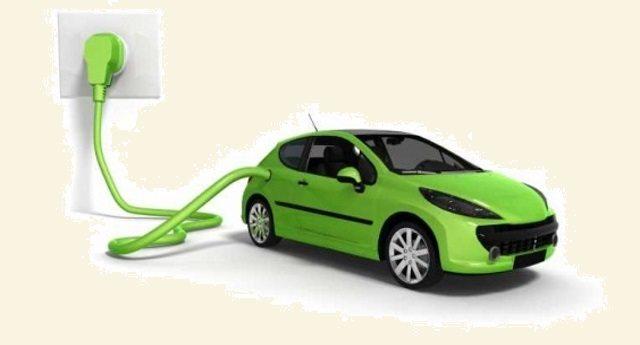 Perché queste notizie ce le nascondono? Le auto elettriche sono già più economiche di quelle tradizionali. Ed i costi scenderanno ancora!