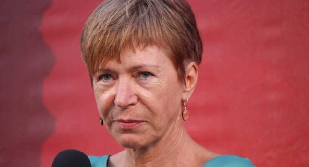 Milena Gabanelli: 'Rivolta per i sacchetti bio, ma perché nessuno parla di tutti gli altri aumenti?'
