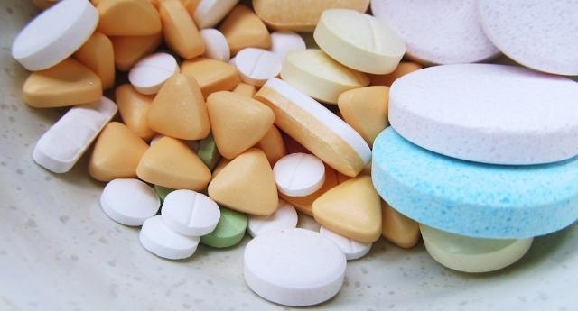 Ecco il farmaco che potrebbe stroncare l'influenza in un solo giorno. Ma probabilmente non lo troverete mai in commercio… A chi conviene se guarite subito?