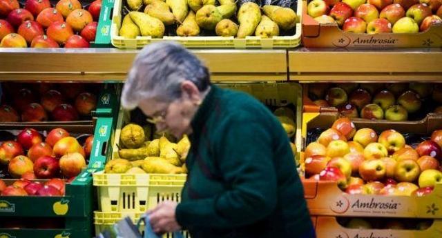 State ancora a pensare ai sacchetti per la frutta a 2 cent? Guardate che per quest'anno gli aumenti sono pari a 1.038 euro a famiglia!