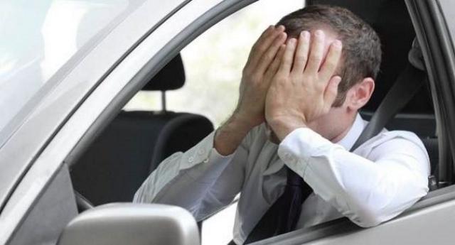 Lo Stato campa sugli automobilisti – Ecco tutte le tasse che paghiamo senza farci caso – E parliamo dell'incredibile cifra di 73 miliardi di euro l'anno!