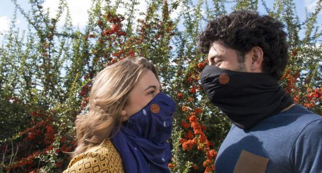 Wair, la fantastica sciarpa anti smog che filtra l'aria, rileva l'inquinamento e segnala i percorsi urbani meno nocivi.