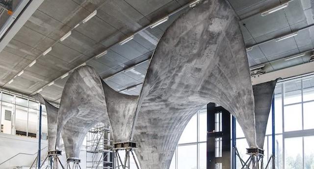 Il fantastico tetto in cemento che assorbe energia solare e la trasforma in elettricità