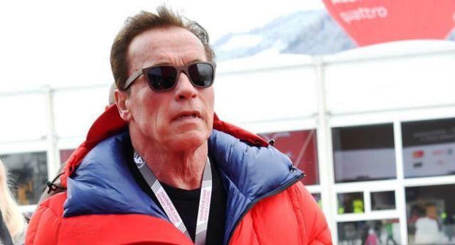 L'ultima battaglia di Schwarzenegger – fa causale alle multinazionali del petrolio per omicidio: sapevano dei rischi del riscaldamento globale ma lo hanno nascosto.