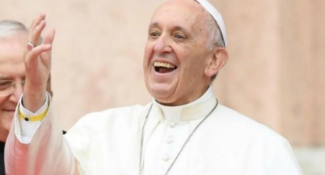 Papa Francesco, tutti i nemici che si è fatto in 5 anni di Pontificato: dai prelati amanti del lusso ai politici corrotti…!