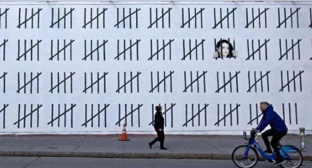 Bansky il principe della Street Art omaggia Zehra Doğan: l'artista incarcerata in Turchia perché difende i diritti dei Curdi