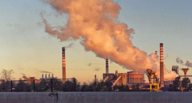 La denuncia di Codacons: Industria e Governo stanno tentando di strappare al TAR di Lecce il giudizio sull'ambiente di Taranto per portarlo nelle più compiacenti aule di Roma.